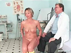 kinky, mother, oldpussyexam.com