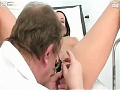 Carmen gets her pussy ... video