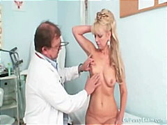 Keez Movies Movie:Anezka old pussy gyno speculum...