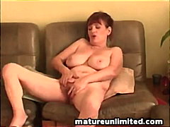 Mature mom and masturb...