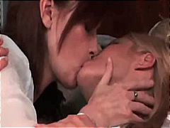 Keez Movies - mature lesbian make out with hot blond