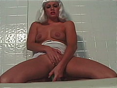 Crazy horny blonde ana terry uses cuc...