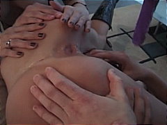 Threesome pussy playing with sultry l...