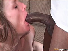 Mature babe loves black cock !