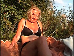 Thumb: Mature amateur bitch p...