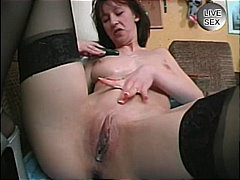 shaved pussy, newbie, brown hair