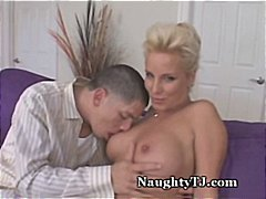 cougar, mature, pussy to mouth