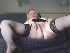See: Chubby blonde mom show...