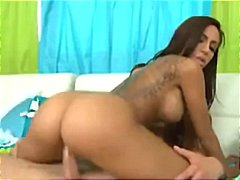 Hot brunette MILF can'... video