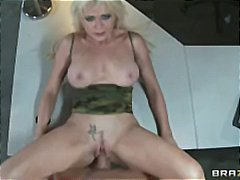 Inception Spoof - Sexy blonde agent g...
