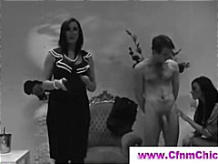 Fellatio lesson for brunette