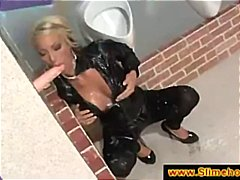 Blonde turns nasty at the glory hole