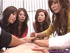 Dude Gets Hot Blowjob by Group part3