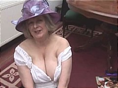 Busty hairy mature granny in stocking...