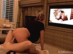 Kelly Madison Gets A Creampie While W...