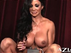 Fit MILF Jewels Jade reaches a scream...