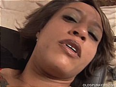 Sexy mature black amateur has great b...