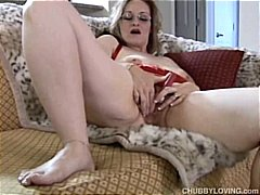 Frigging cute chubby MILF