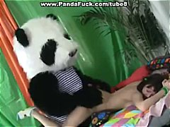 DrTuber Movie:Teen play with fruit and the p...