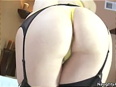Blonde Tara Lynn Fox has a big ass an...