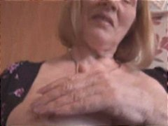 Thumb: Granny show her hairy ...