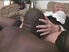 Mature lady Anneke tries the BBC dres...
