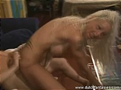 Tattooed mature Blonde... video