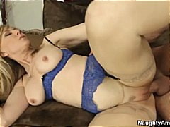 Thumb: Nina Hartley in linger...