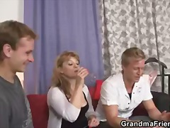 Mature amateur bitch takes two stiff ...