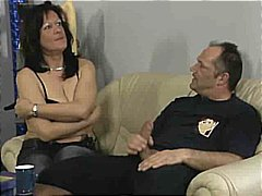 DrTuber Movie:Kelly Shows Delivery Boy How T...