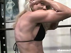 Thumb: Mature Blonde Gym Inst...