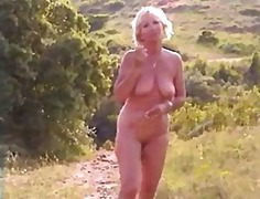 Chubby mature slut with saggy tits wa...