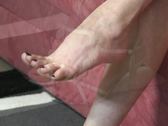 Barefoot video