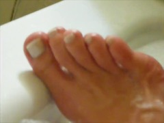 French pedicure in bath