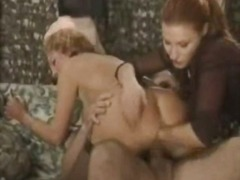 See: Pussy &ass fisting 3sum