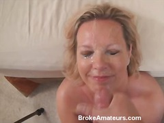 Amateur MILF gets a facial.