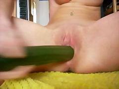 Fuck the cucumber - gurke ficken