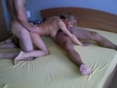 Xhamster Movie:Amateur gangbang of a hot chea...