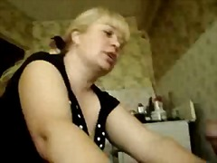 RUSSIAN MOM SUCK YOUNG...