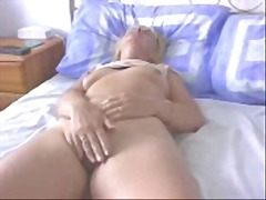 Thumb: Amateur Wife Orgasms R...