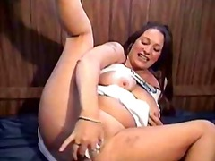 Thumb: Mature housewife mastu...