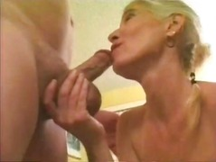 NICE BLONDE GRANNY ANAL