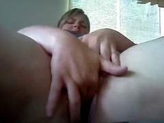 Thumb: BBW banging her pussy ...