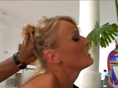 Blonde super MILF does... from Xhamster