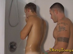 Xhamster Movie:Muscle Stud Fucks Bi-Guy