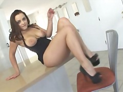 Liza del Sierra gets a... video