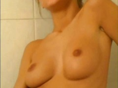 Xhamster Movie:Blond finges in tube
