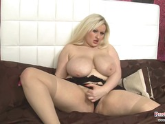 Teri Fox Plays With Ud... - Xhamster