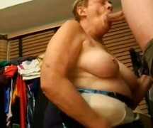 Granny  sucking  and cuming