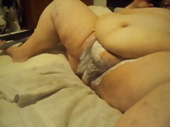 Thumb: Geting her pussy shave...